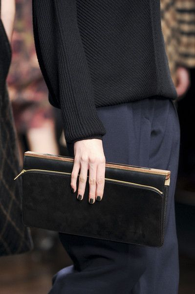 dark-nails-covet-living