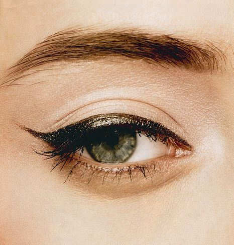 eyeliner-fall-covet-living