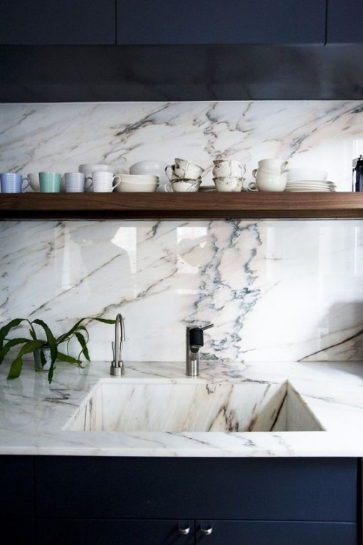 marble-as-backsplash-covet-living