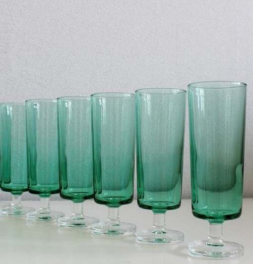 set-of-6-vintage-green-glass-champagne-flutes