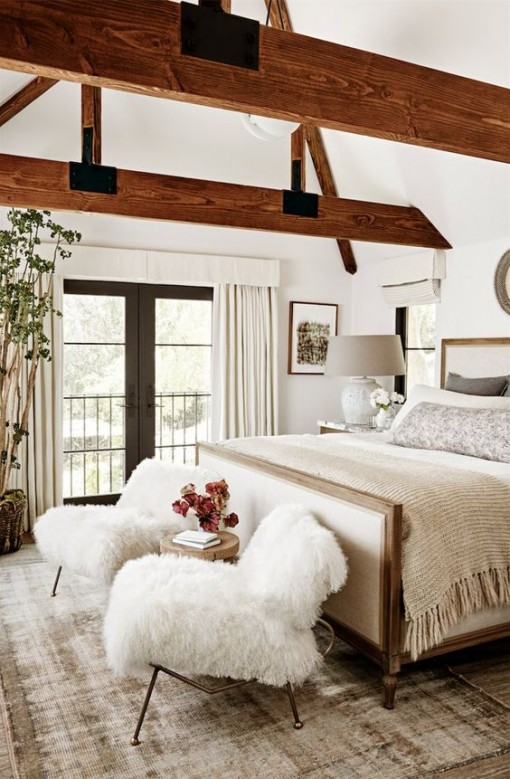 julianne-hough-bedroom-covet-living-interiors